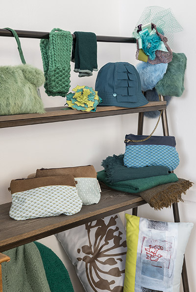 manon martin nous fait tourner la t te toutma. Black Bedroom Furniture Sets. Home Design Ideas