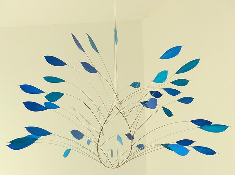 Bouquet suspendu bleu ©Jacques Salles