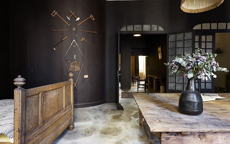 maison empereur voyage dans le temps pour une nuit toutma. Black Bedroom Furniture Sets. Home Design Ideas