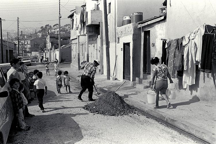 A l'Estaque, des rues insalubres pour les immigrés.