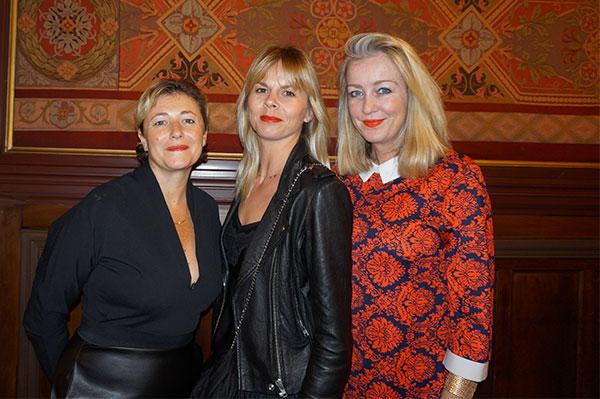 Virginie Dumon L'ÂNE BLEU, Caroline Bindel-Girard, Julie Cabassu LES TOQUÉES
