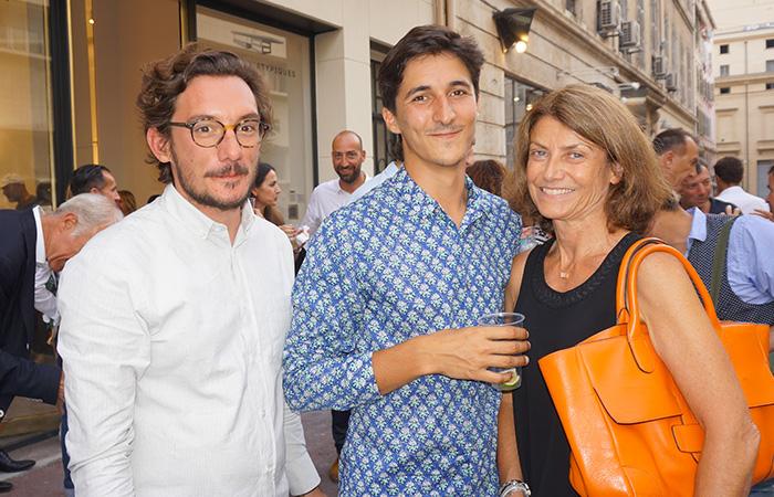 Espaces atypiques premi re agence galerie marseille for Agence espaces atypiques